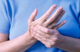 ízületi gyulladás szinovitisz az ujjak ízületei duzzadnak reggel